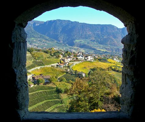 Blick auf Dorf Tirol