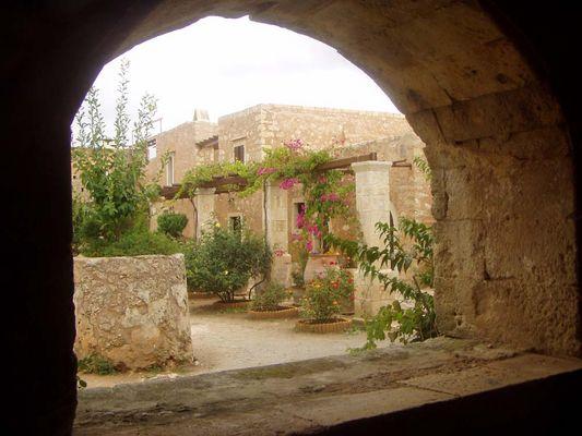 Blick auf Klosterhof Moni Arkadi