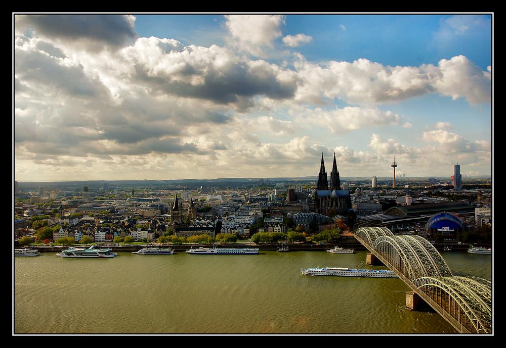 Blick auf Köln vom LVR Haus