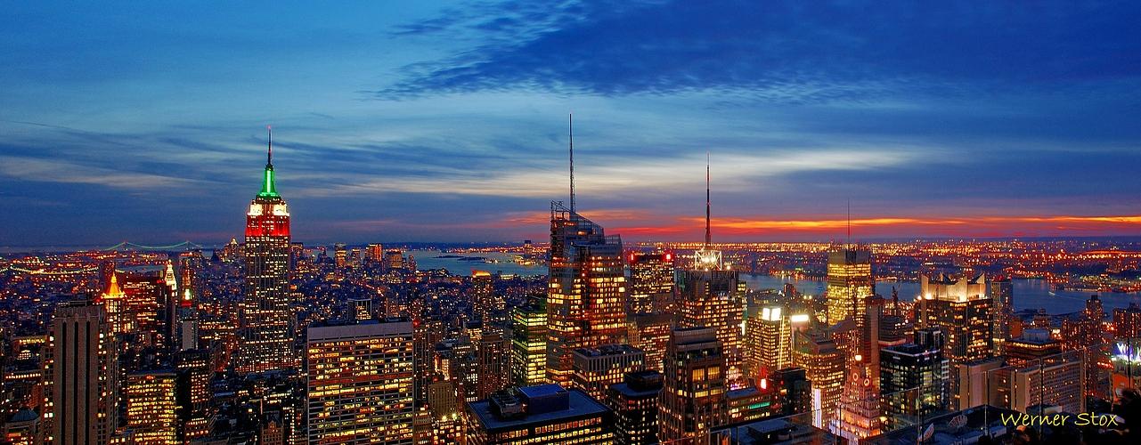 Blick auf Manhattan, den Hudson und New Jersey