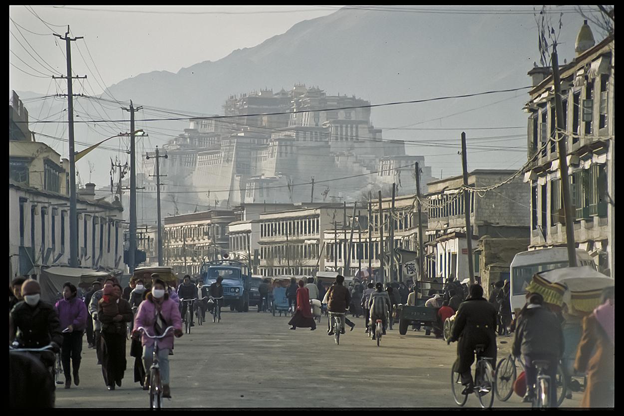 Blick auf Potala, Lhasa 1991