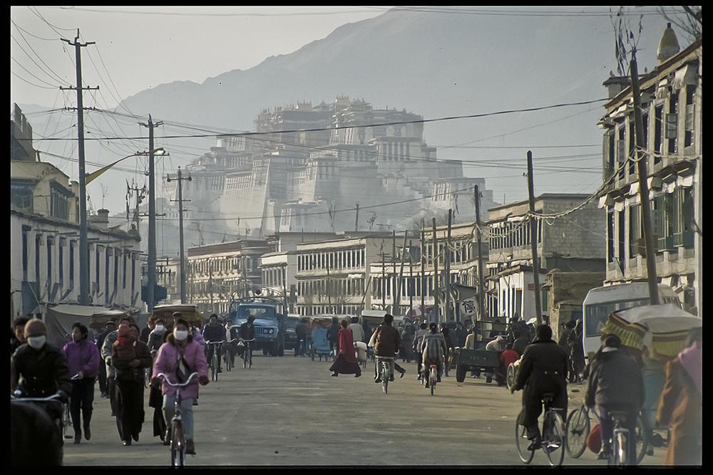 Blick auf Potala, Lhasa 1991 von le Tifou