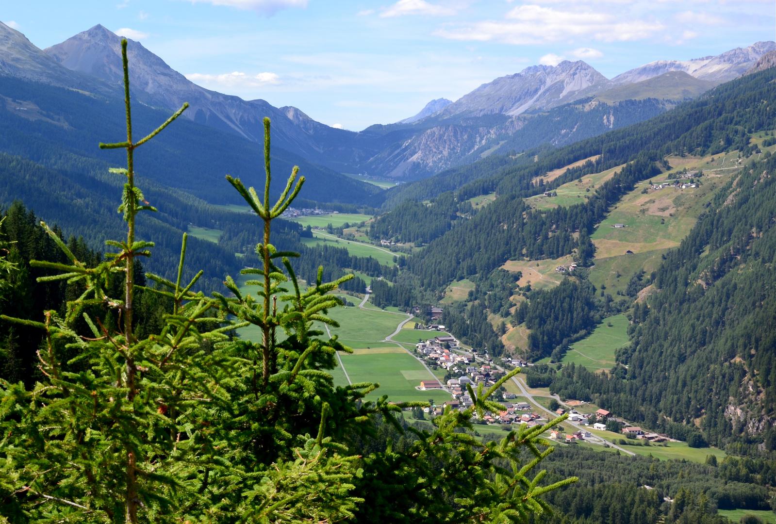 Blick auf Santa Maria im Val Müstair…