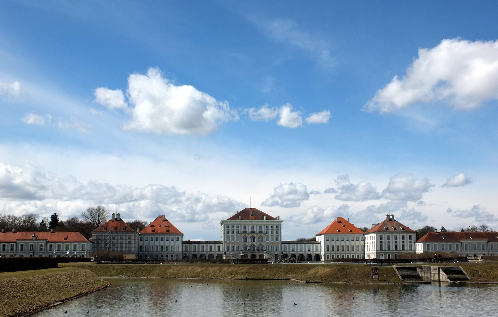 Blick auf Schloß Nymphenburg