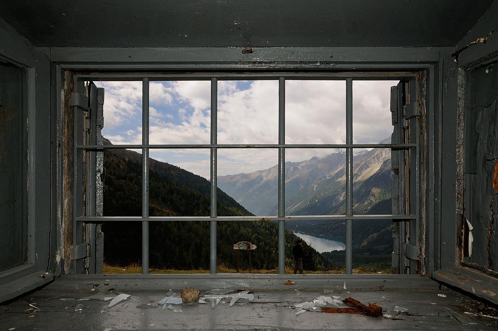 Blick aus dem alten Zollhaus ins Ahrntal und auf den Antholzer See, aufgenommen......