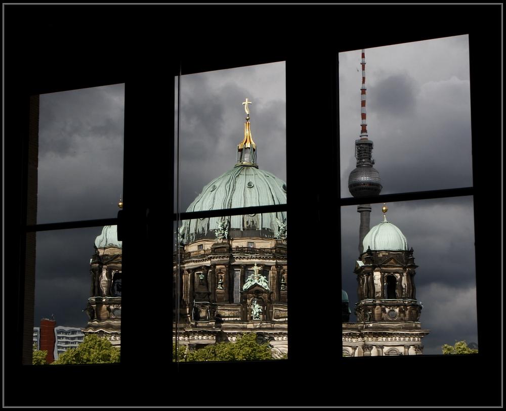 blick aus dem fenster foto bild deutschland europe berlin bilder auf fotocommunity. Black Bedroom Furniture Sets. Home Design Ideas
