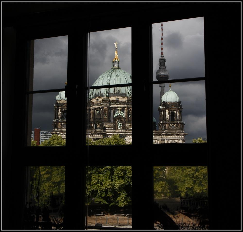 Blick aus dem fenster bilder  Blick aus dem Fenster . . . . Foto & Bild | deutschland, europe ...