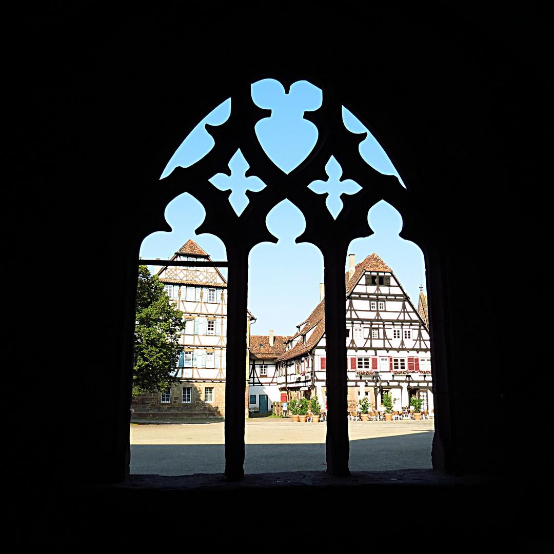 Blick aus dem Kloster Maulbronn