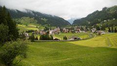 Blick aus dem Zug auf Bergün