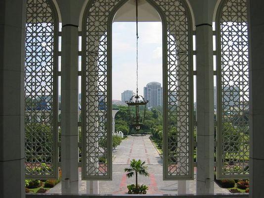 Blick aus der großen Moschee von Shah Alam