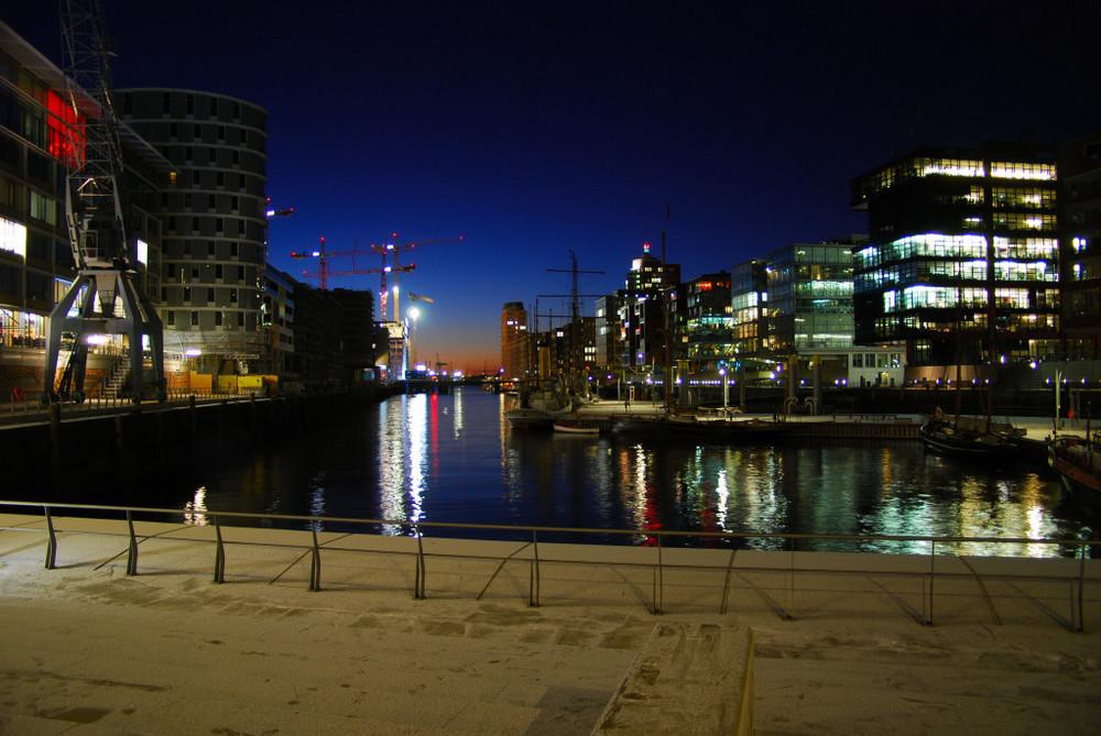 Blick aus der neuen Speicherstadt in Hamburg