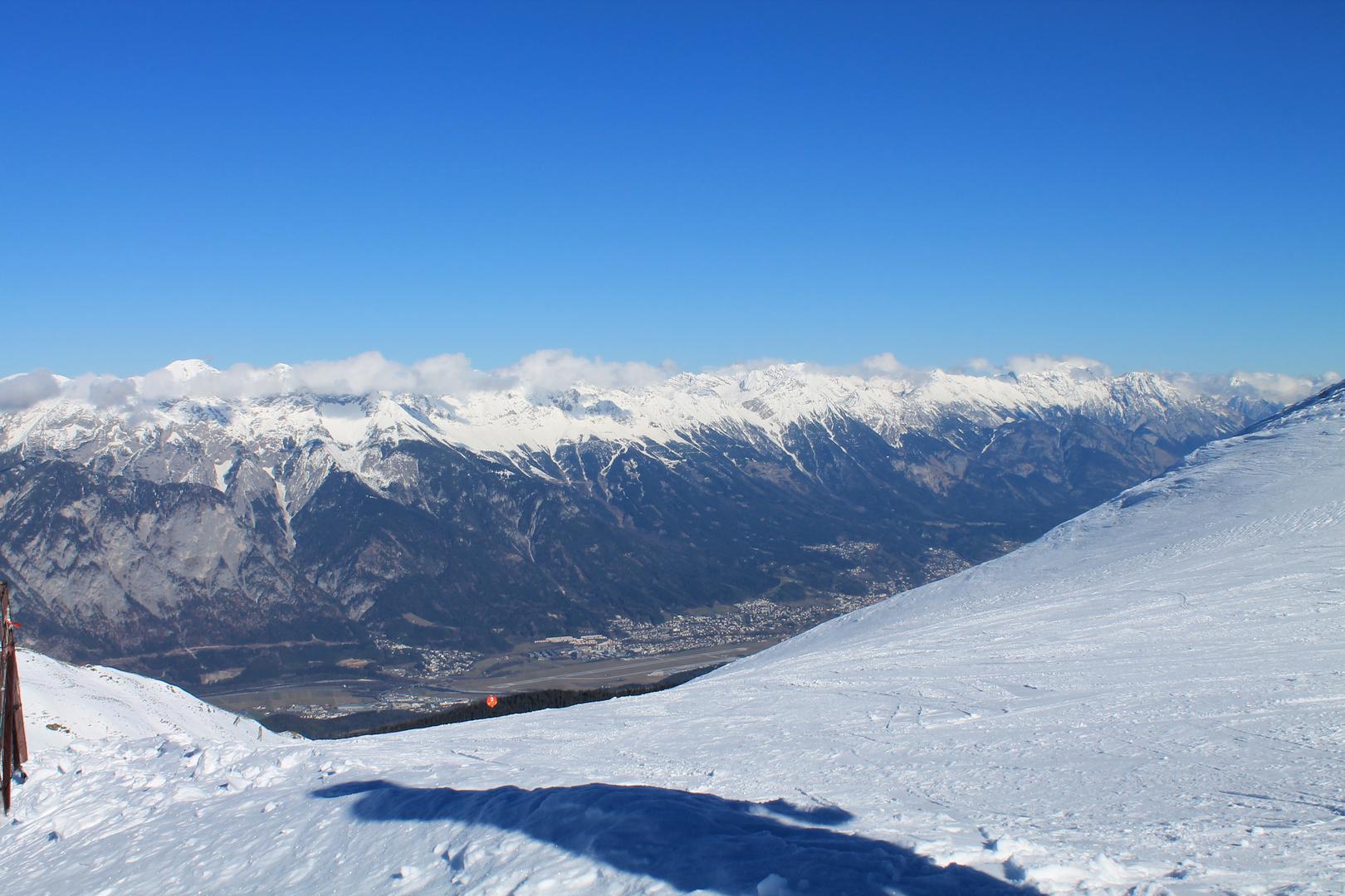 Blick bis zum Flughafen Innsbruck