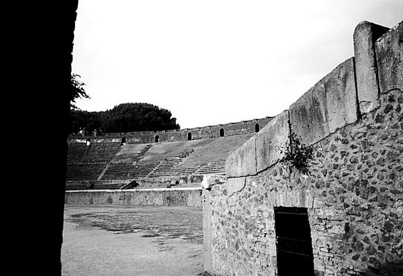 Blick des Gladiators - Colloseum Pompeji (Neapel 99 #2)