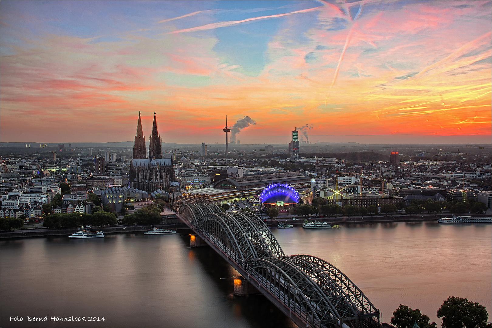 Blick – die Faszination vom LVR Tower .... zu Köln