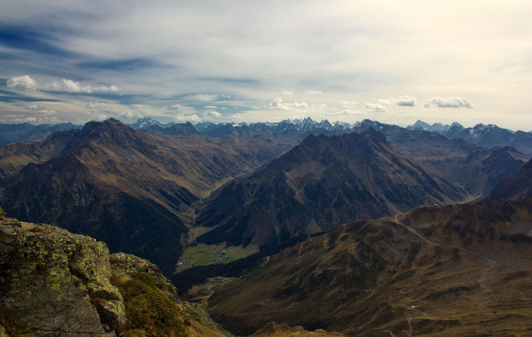 Blick durch das Vergaldatal hinüber zur Silvretta