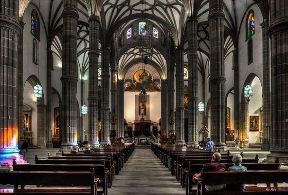 Blick in das Kirchenschiff...