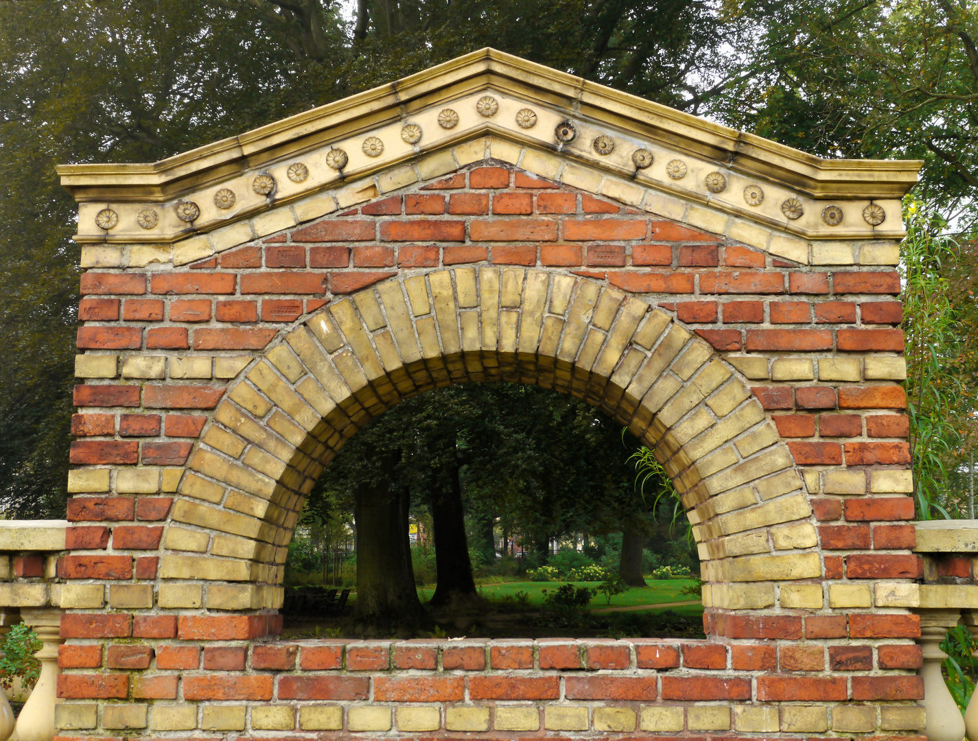 Blick in den Garten der Villa Schöningen...