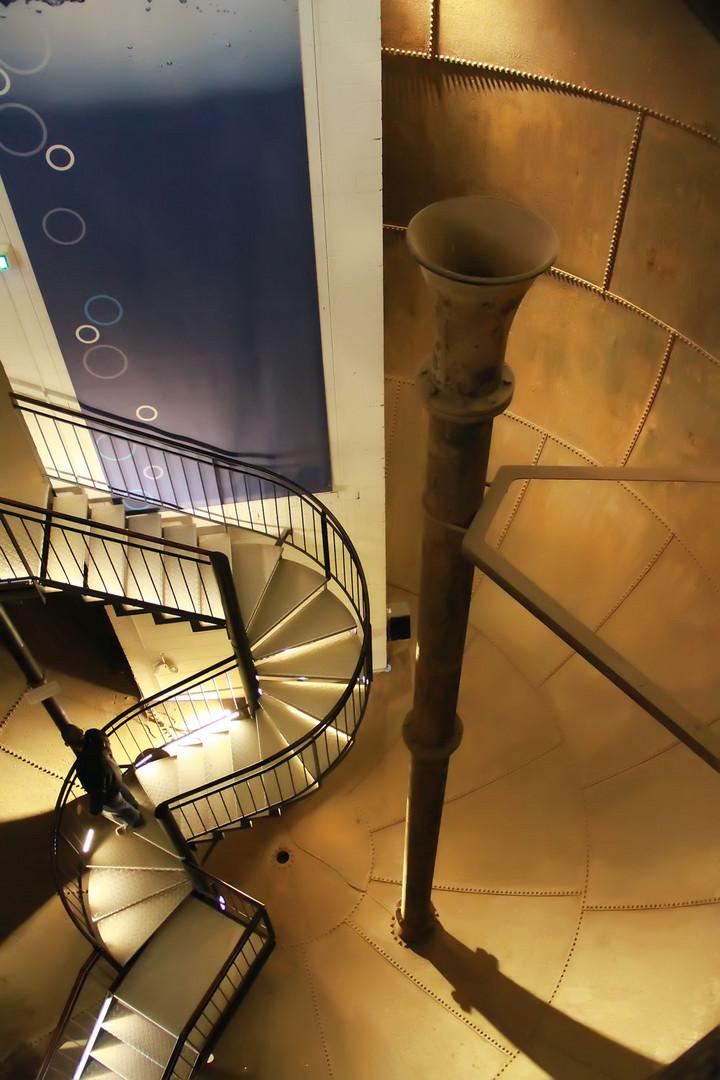 Blick in den Wassertank vom Lüneburger Wasserturm
