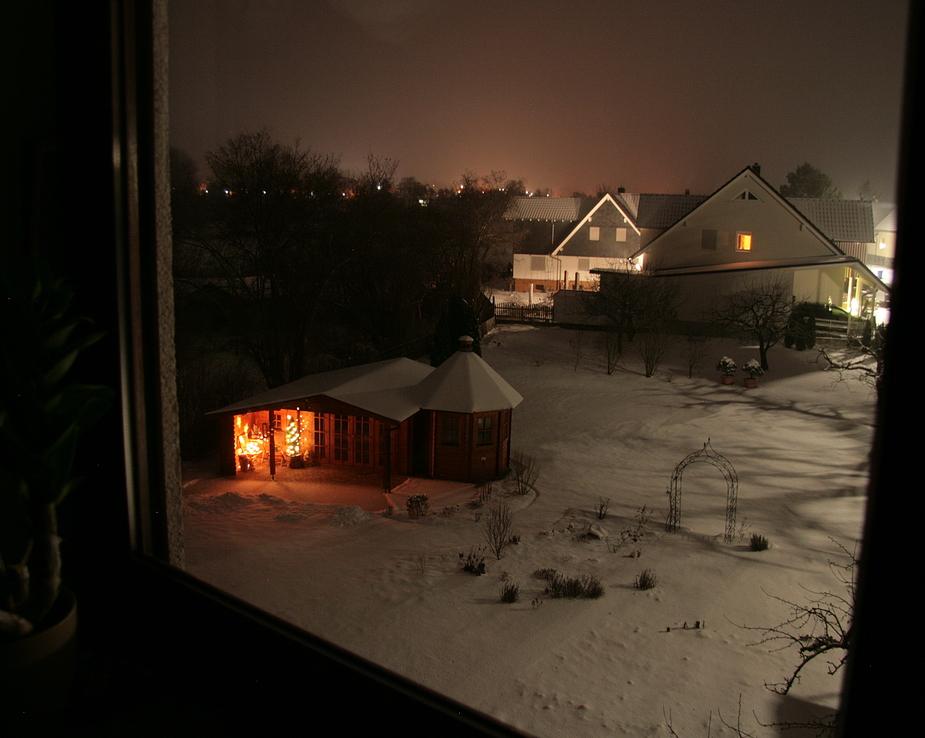 Blick in den winterlichen Garten