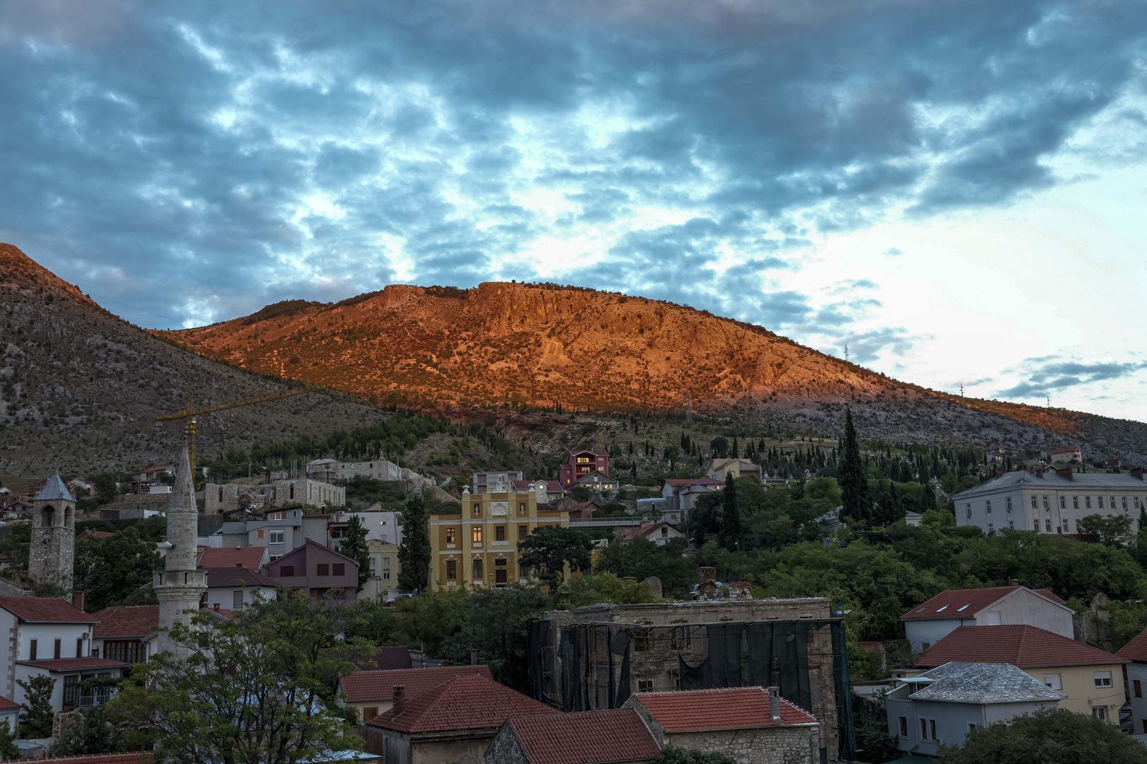Blick in die Berge von Mostar