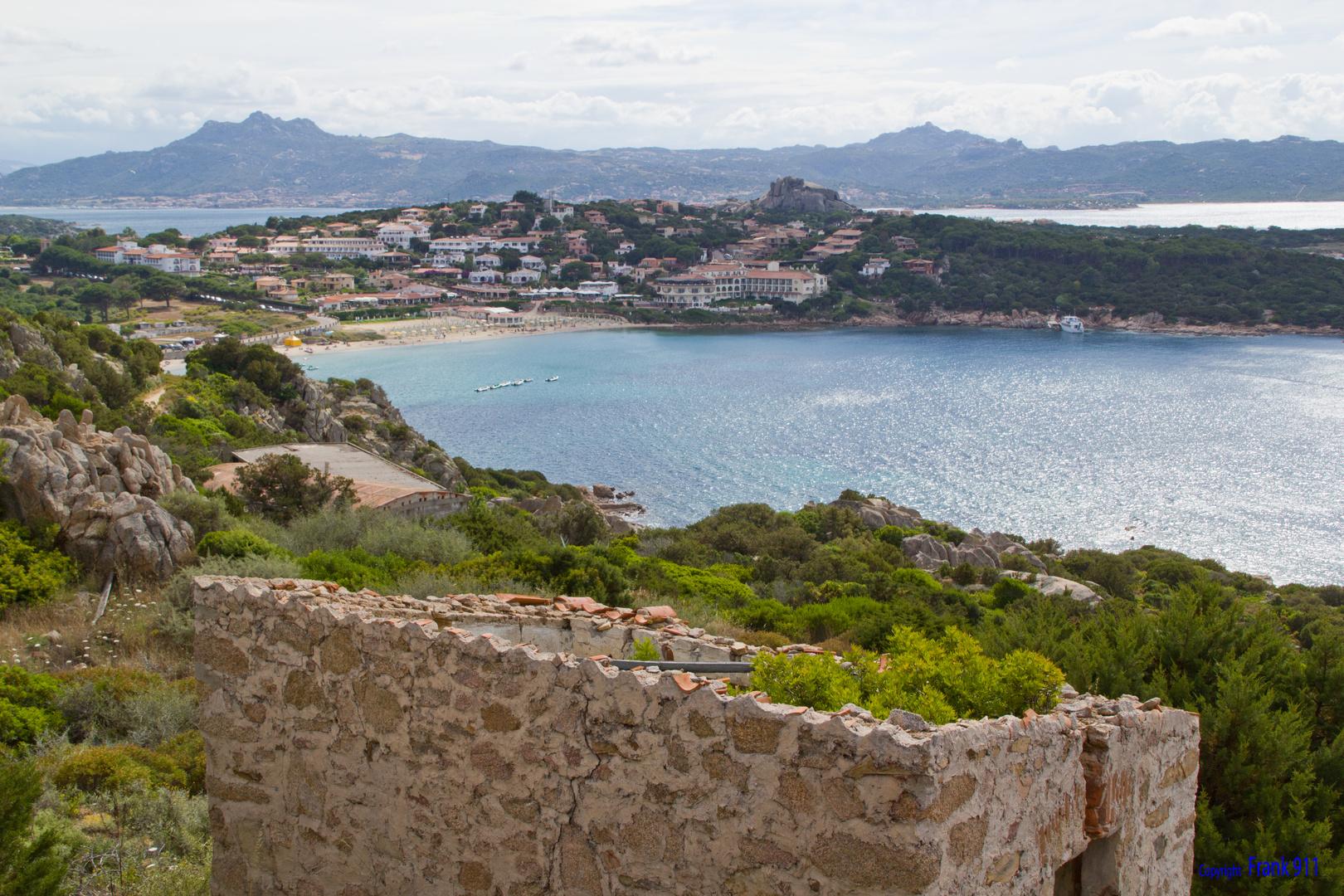 Blick in die Bucht von Baja Sardinia (1)