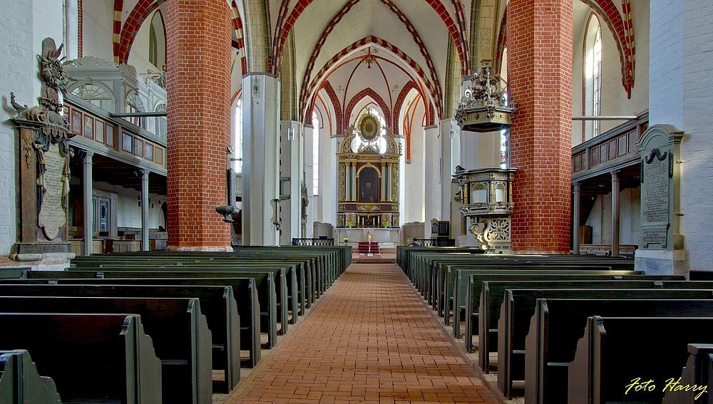 Blick in die Kirche St,-Nikolai in Jüterbog. (Brandenburg)