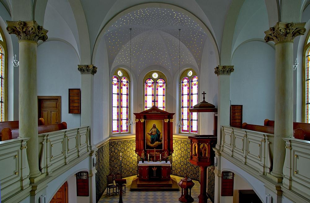 Blick in die Kirche Wehlen.(2) ... Sächsische Schweiz.