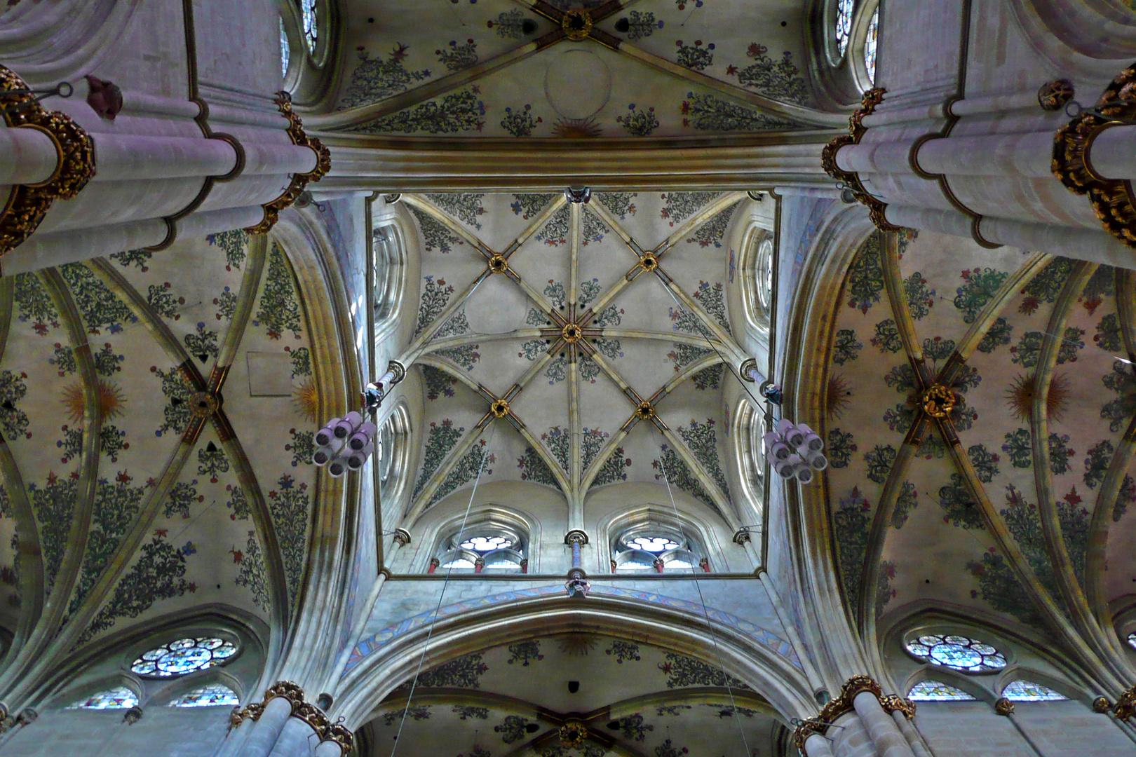 Blick in die Kuppel (Vierung) der Liebfrauenkirche Trier