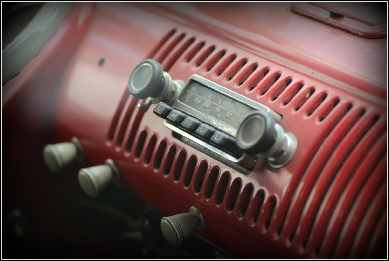 Blick in einen alten VW Bus