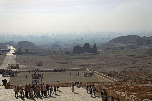 Blick nach Theben West (vom Hatschepsut Tempel)