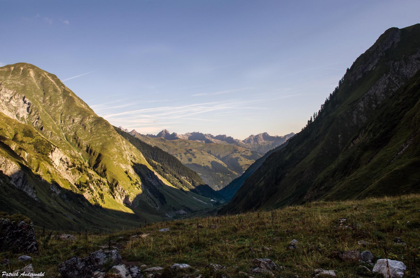 Blick Richtung Barth Hütte und Wolfebnerspitze 2432m