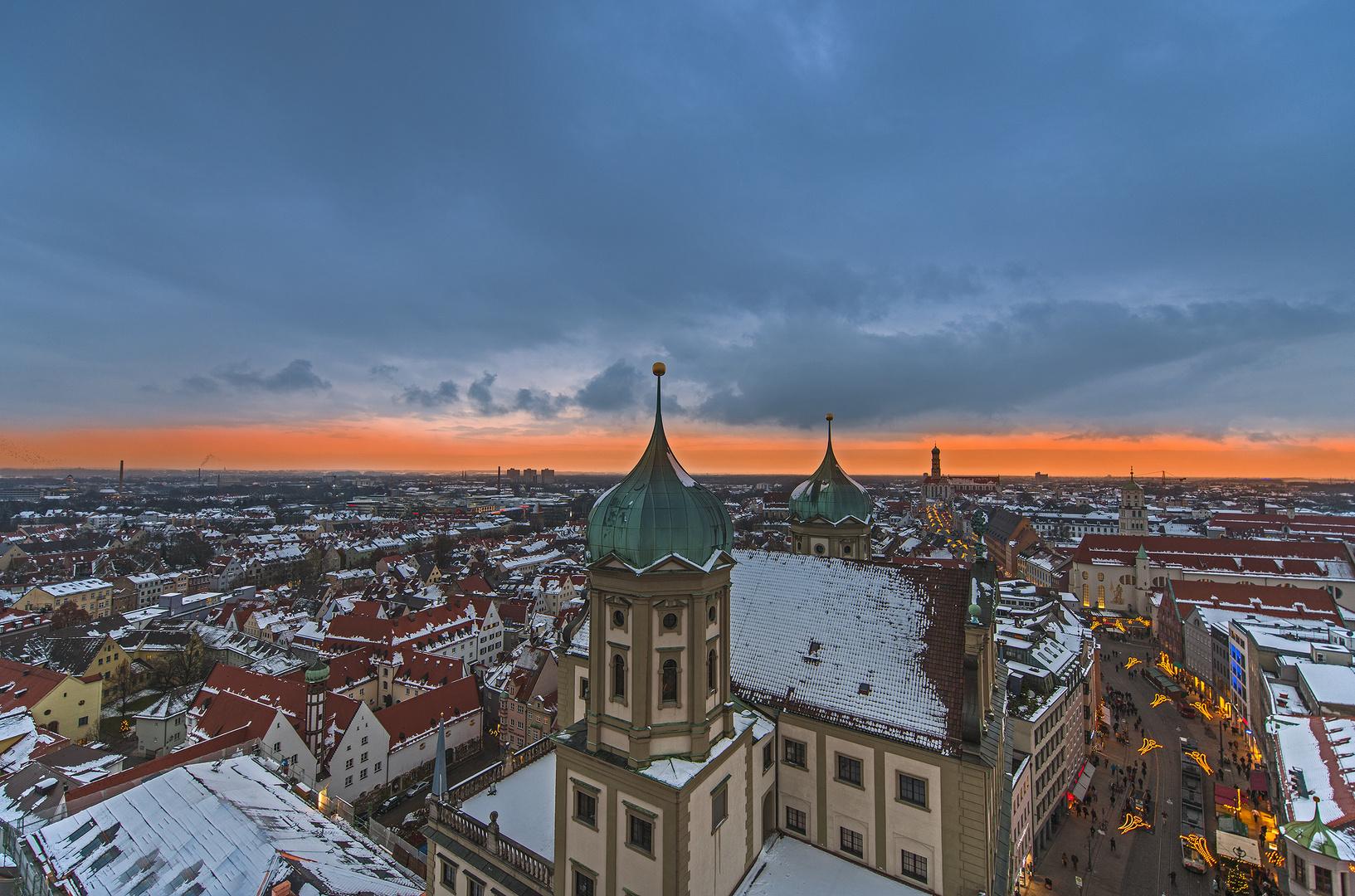Blick über das weihnachtliche Augsburg