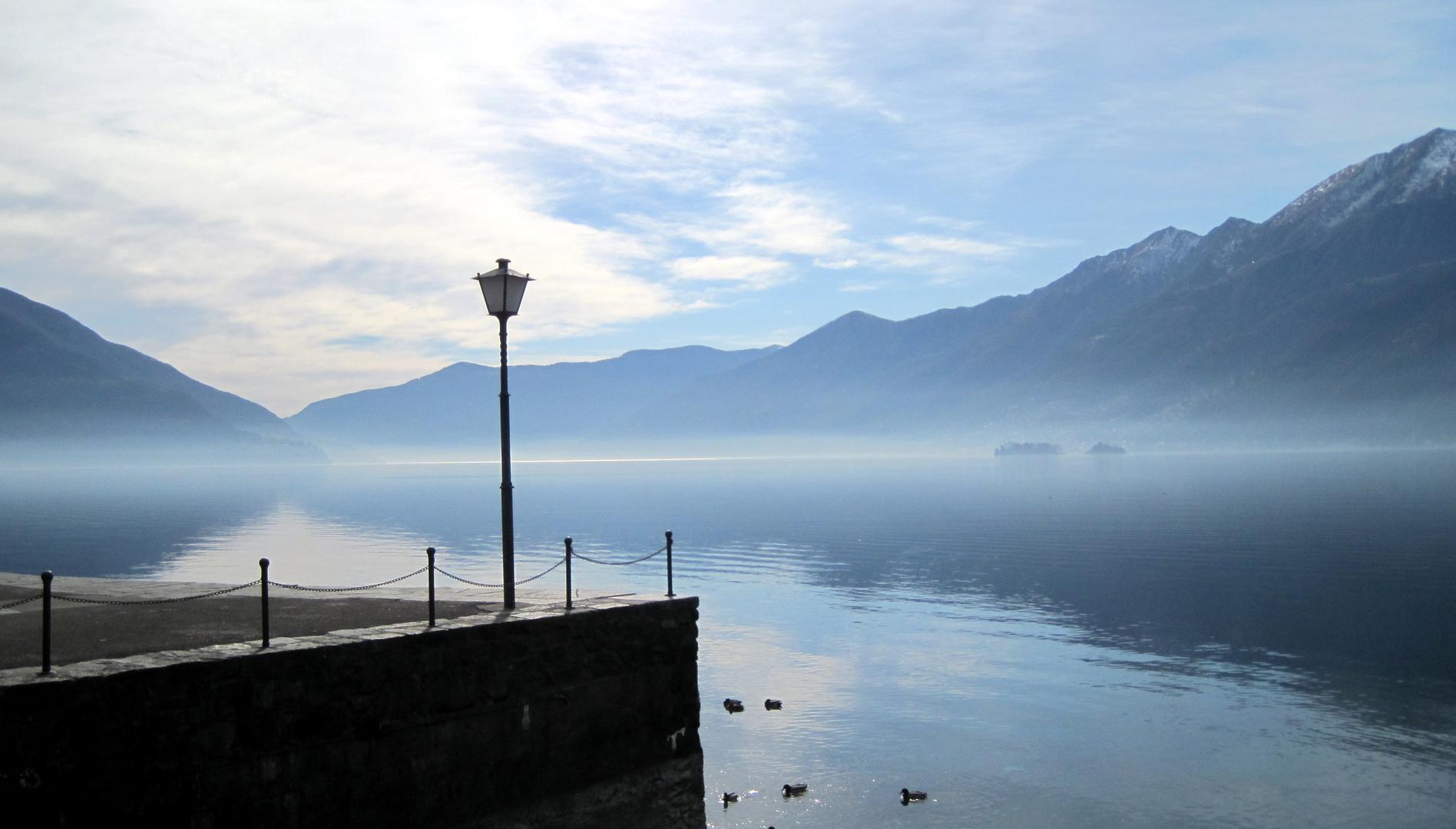 Blick über den Lago Magiore in Ascona