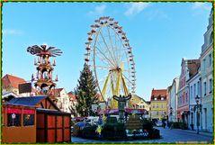 Blick über den Weihnachtsmarkt in Cottbus