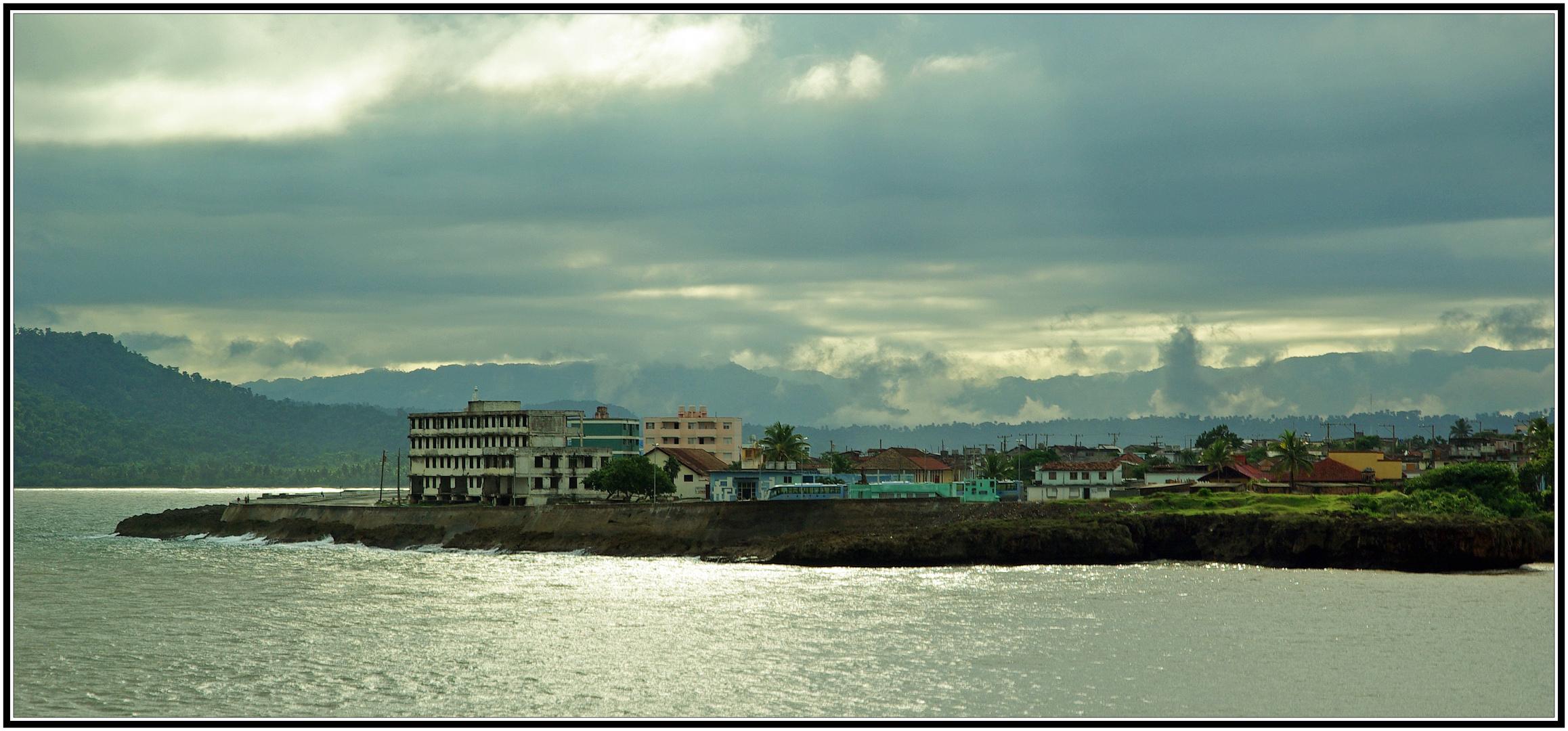 Blick über die Bucht von Baracoa / Kuba