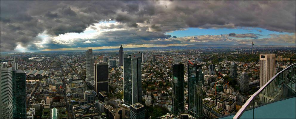 * Blick über Frankfurt *
