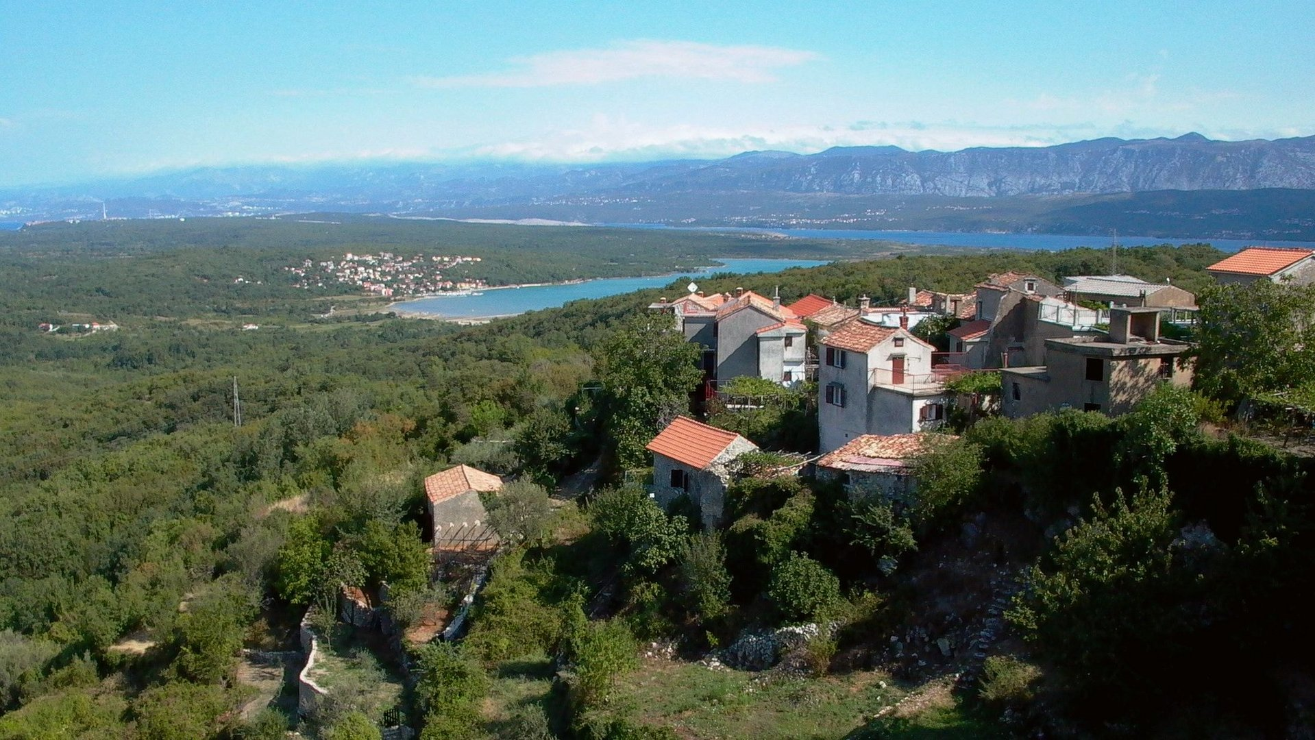 Blick über Insel KrK von Dobrinj Richtung Norden