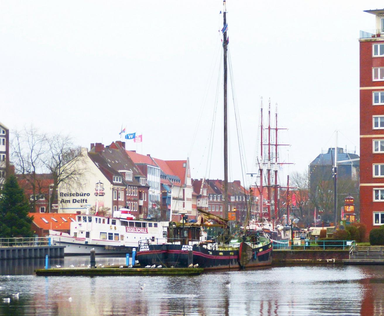 Blick vom Alten Binnenhafen zum Ratsdelft