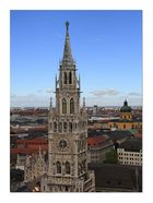 Blick vom Alten Peter zum Rathausturm