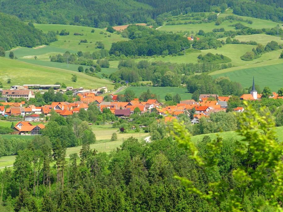 Blick vom Apfelberg aus auf Lengfeld 02