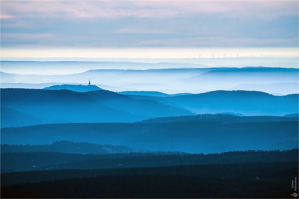 Blick vom Brocken zum Ravensberg