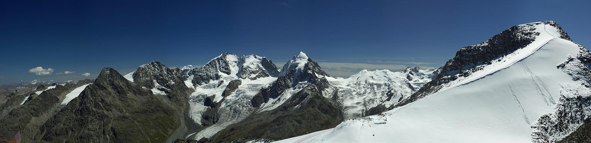 Blick vom Corvatsch (3303m) Richtung Piz Palü. (Reload)