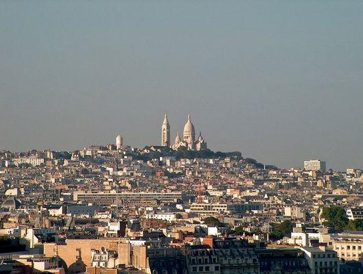 Blick vom Eiffelturm auf Sacré Coeur