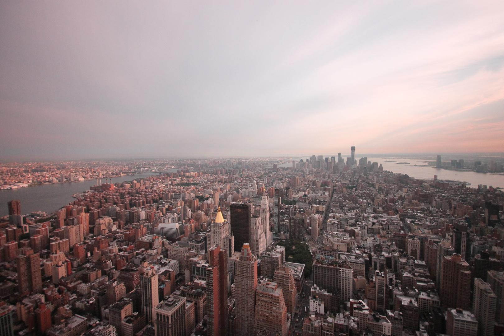 Blick vom Empire State Building auf Downtown Manhattan