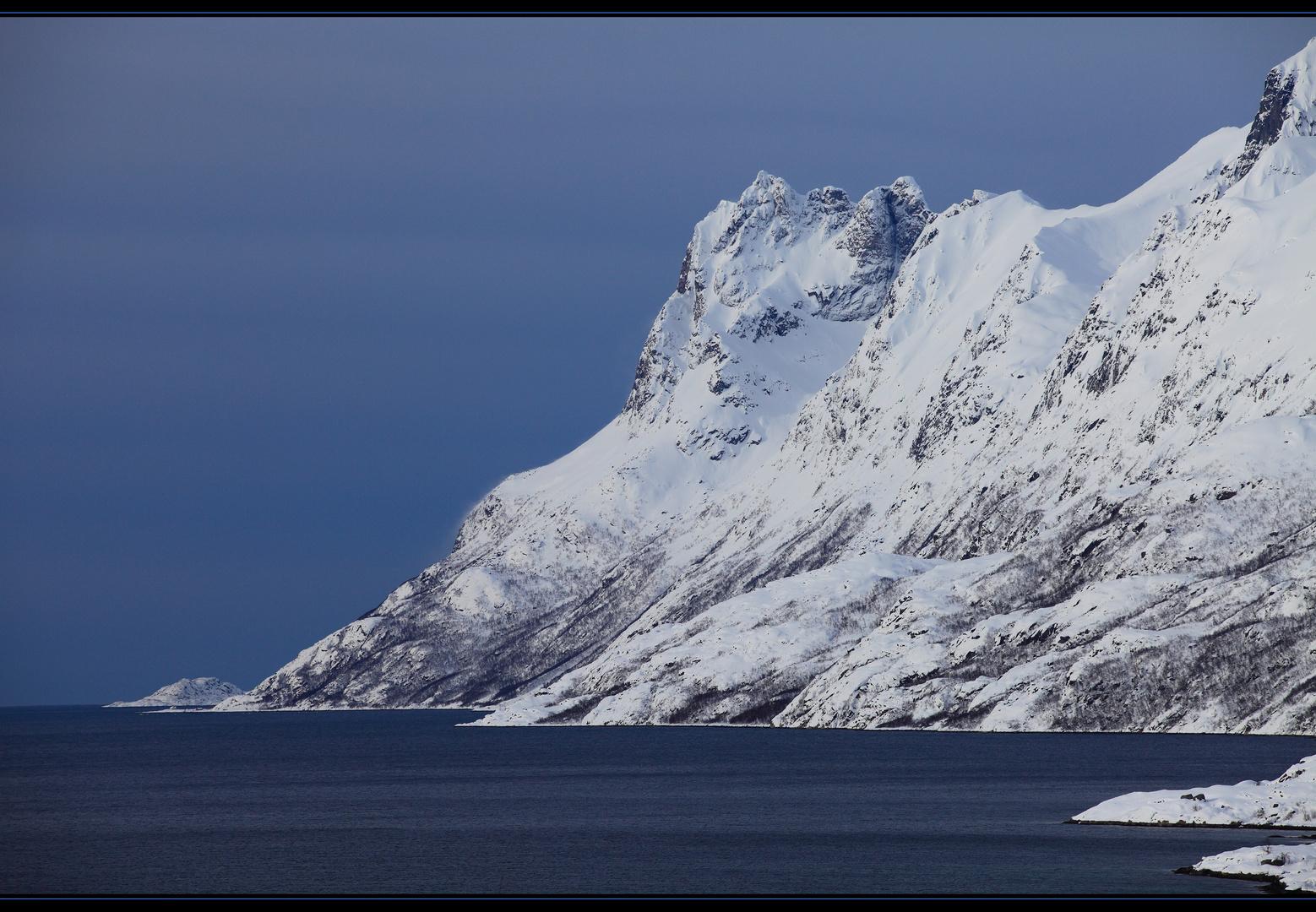 Blick vom Ersfiordbotn nach Sessøya