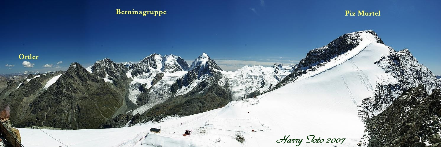 Blick vom Gipfel des Corvatsch im Engadin. (Panorama).