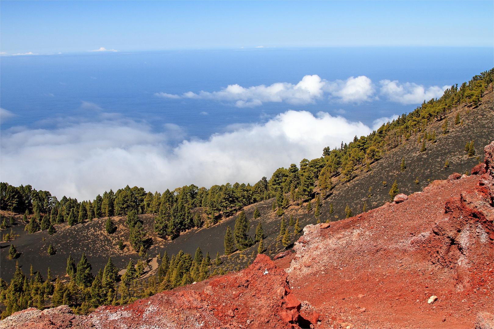 Blick vom Gipfel des Vulkan Martin nach Westen