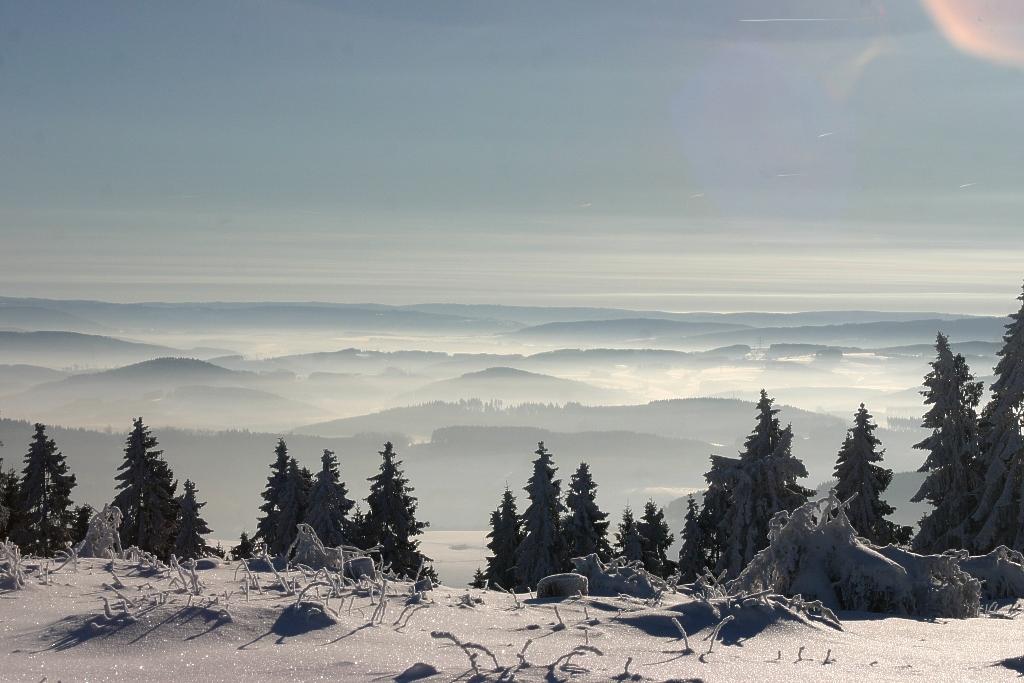 Blick vom Homert, dem Namensgeber des Naturparks Homert, in südlicher Richtung, zum Rothaargebirge