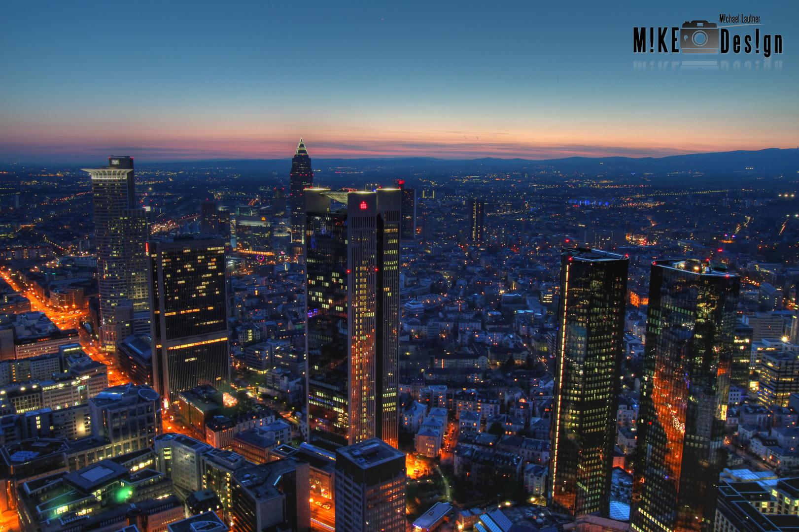 Blick vom Maintower bei Nacht