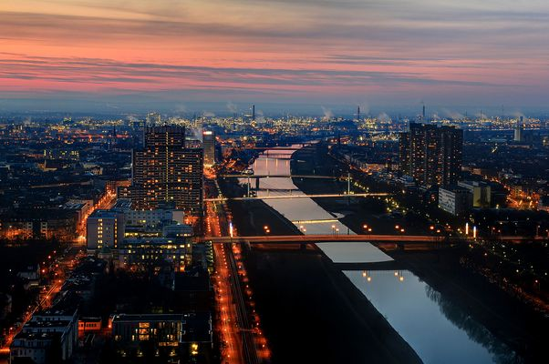 Blick vom Mannheimer Fernsehturm nach Sonnenuntergang
